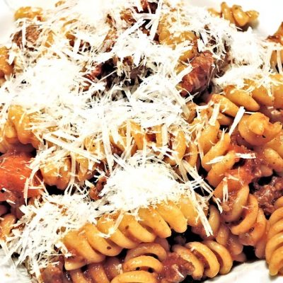 Macarrones, macarones, macarrones con tomate, macarrones con carne, macarrones con carne y tomate, macarrones con tomate y carne, macarrones con tomate y carne picada, macarrones thermomix, macarrones faciles, macarrones receta